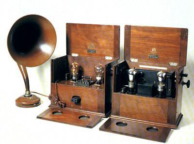 Radio con altavoz. Marconi 1922
